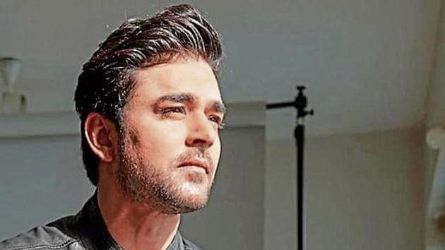 TV actor Mohit Abrol has claimed his Instagram account was hacked and the post alleging Manasi Srivastava cheated on him was not one made by him.
