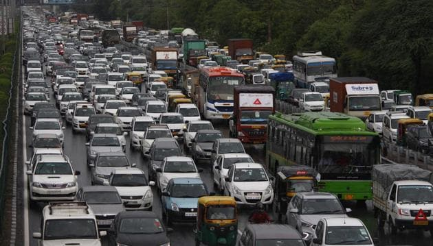 Road safety has been given top priority in the Motor Vehicles (Amendment) Bill, 2019 and proposes stiff penalties for traffic offences.(HT PHOTO)