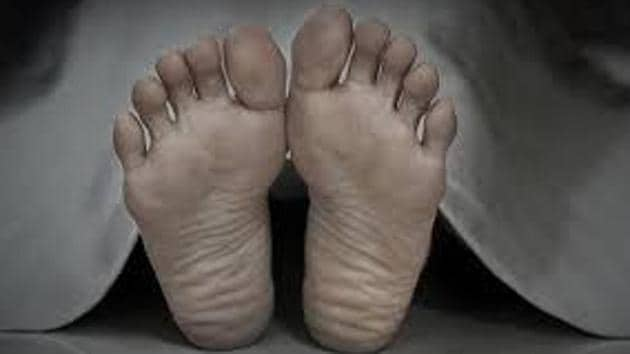 Police said the body has been kept in the mortuary and efforts are on to identify the man whose inflated body was found in Pataudi.(HT FILE)