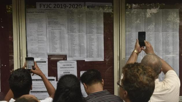 Mumbai FYJC 3rd merit list 2019 to be out today. At the end of two rounds, only 1,31,310 seats were claimed by students.(Anshuman Poyrekar/HT file)