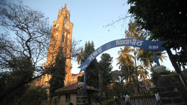 Admissions to the distance education wing of University of Mumbai can now continue its admissions process, which was stalled due to their lapsed affiliation with the University Grants Commission (UGC).(HT file)