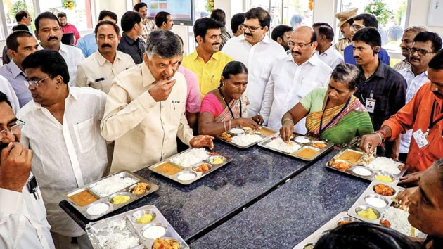 Akshaya Patra Foundation, the NGO, cooked and supplied food to 200-odd Anna Canteens across the state.(HT Photo)