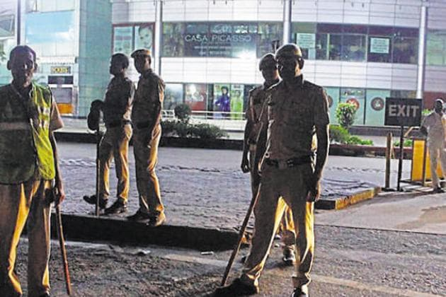 Three persons were arrested by the Noida police within 24 hours in three separate encounters. One encounter was carried out by the Dadri police(Yogendra Kumar/HT PHOTO)