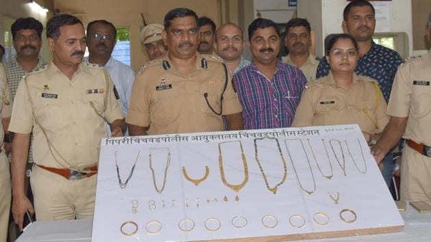 The police recovered 470 grammes of gold from them. The accused had managed to flee with the gold and ₹420 in coins from the cash counter of a general store(HT PHOTO)