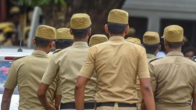 The Delhi Police's licensing department has started an online facility to accept applications and award casual performance licences (CPL) to persons organising public performances at open and closed venues such as stadiums, banquet halls, open grounds, farmhouses, and hotels.(PTI)