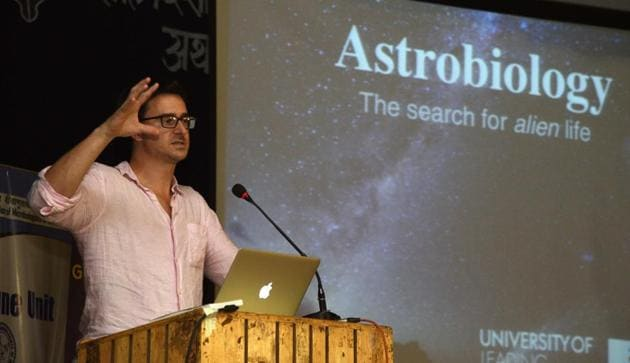 British astrobiologist Lewis Dartnell at the session at Abbasaheb Garware College on Thursday.(Pratham Gokhale/HT Photo)