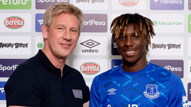 Moise Kean signs contract with Everton.(@Everton)