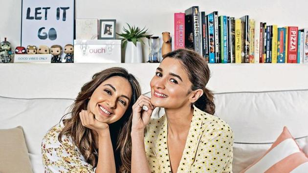 Alia Bhatt and Akansha share secrets about their lives in an interview.(Satish Bate/HT)