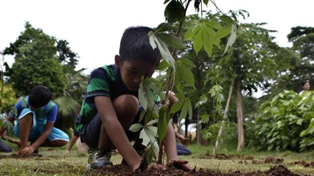The Delhi government will conduct its mega plantation drive for this year on August 9 and has aimed to plant over 300,000 tree saplings and shrubs across the national capital.(Hindustan Times)