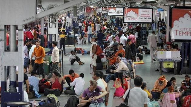 """The Jammu and Kashmir government asked the Amarnath pilgrims and tourists on Friday to immediately make necessary arrangements to cut short their stay in the Valley in the wake of intelligence inputs of """"specific terror threats"""" to the pilgrimage.(PTI photo)"""