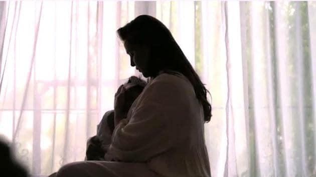 Neha Dhupia breastfeeds her daughter Mehr.