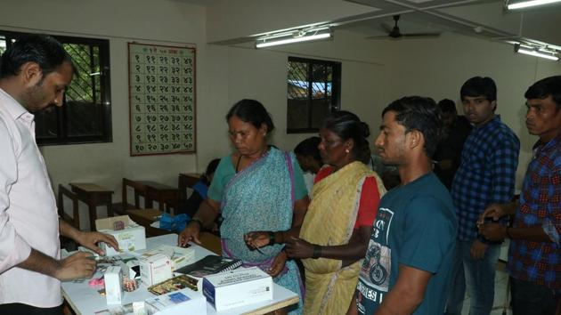 Thane, India - August.04,2019:Thane Municipal Corporation arrange medical Camp for jugaon People in School , in Around 50 people airlifted from Jugaon near Khadavli in Kalyan Taluka are given shelter in VPS school in balkum Thane ,India, on Sunday, August 04, 2019. ( Praful Gangurde/ HT Photo)