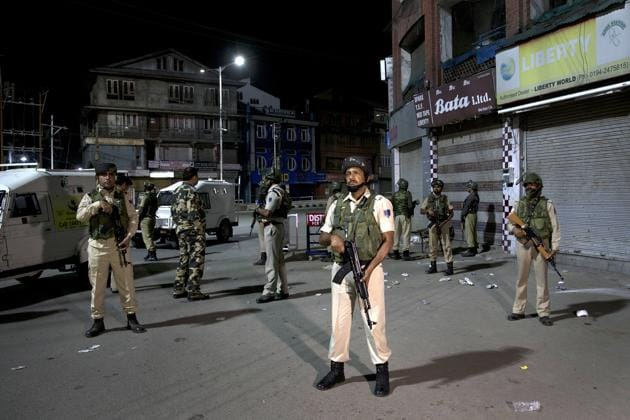The authorities suspended mobile Internet connection in Kashmir Valley, the officials said, adding that satellite phones were being provided to police officials and district magistrates.(AP)