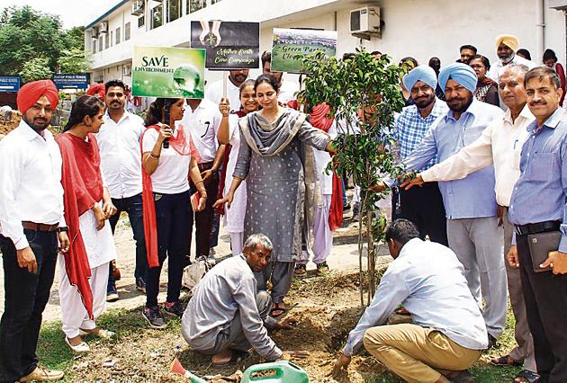 Besides planting and nurturing of trees, students should also be motivated to save water (Representational image).(HT Photo)