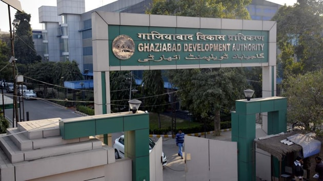 Authority officials said that most violations were taking place in the trans-Hindon areas of Indirapuram and Sahibabad.(HT file photo)