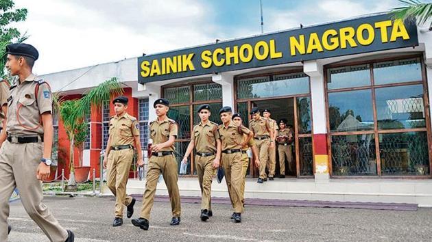 The Sainik School, Nagrota is ranked 5th among 24 Sainik Schools across the country, according to 2018 rankings.(Nitin Kanotra / HT Photo)