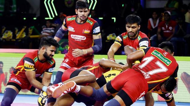 Bengaluru Bulls defeated Telugu Titans in the Pro Kabaddi League (PKL).(Twitter)
