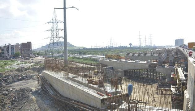 Water supply to Indirapuram will be halved due to ongoing work for the Delhi-Meerut Expressway.(Sakib Ali /HT photo)