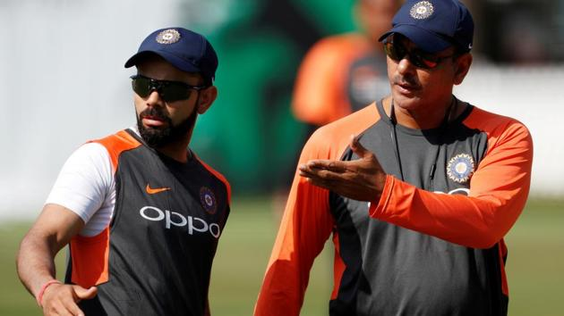 India head coach Ravi Shastri and Virat Kohli during nets.(Reuters)