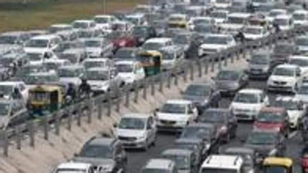 Delhi-Meerut Expressway towards Sarai Kale Khan and ITO .(HT PHOTO)