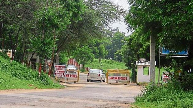 The Indian Reserve Battalion, which runs the police training and research centre (in picture), presently occupies over 300 acres of PLPA notified land in Bhondsi.(HT image)