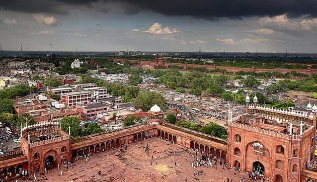 According to experts, this is a rare 'good' air day spell in Delhi, which is mainly induced by a cumulative impact of widespread rain and winds in and around the periphery of the city.(HT image)