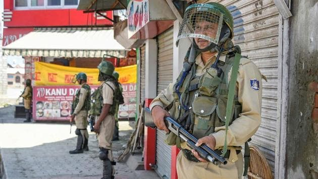 The first encounter between security forces and terrorists ever since the Union government abrogated special category status to Jammu and Kashmir on August 5 by reading down Article 370 of the Indian Constitution.(PTI photo(Representational image))