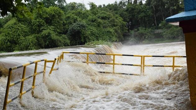 The Central government has taken ownership of the river linking projects as a way to tackle floods and droughts about five years back. The national plan for river linking, however, dates back to 1980s.(HT PHOTO.)