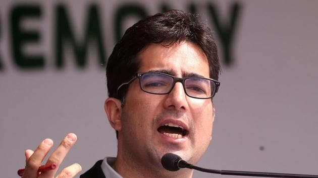 The Delhi high court on Friday refused to issue a formal notice on a plea of bureaucrat-turned-politician Shah Faesal against his detention.(REUTERS)