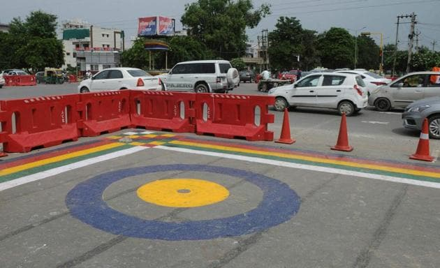 Jersey barriers were used at Bakhtawar Chowk to extend the median length. This, however, led to heavy congestion.(HT FILE)