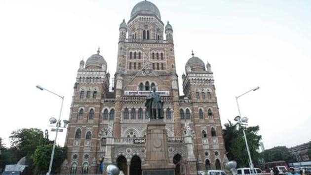 The Brihanmumbai Municipal Corporation (BMC) has now changed its stand, asking citizens or citizen groups to become civic body's ward-level partners.(Hindustan Times Photo)