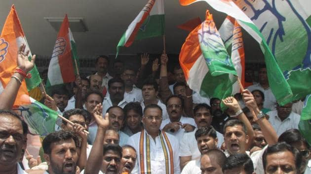 Just a month after its coalition government with Janata Dal (Secular) collapsed during a floor test, Karnataka Congress leaders are clamouring for changes in the state unit as they try to assert power.(HT Photo)