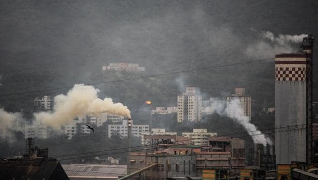 At 69 micrograms per cubic meter, Andheri saw the maximum concentration of NO2, which is mainly caused due to burning of fossil fuel from motor vehicles and industries (Photo by Prabhat Mehrotra/ HT PHOTO)(HT PHOTO)