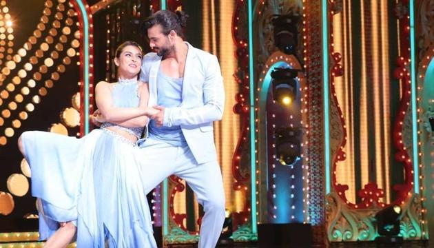 Ex couple Madhurima Tuli and Vishal Aditya Singh during their performance on Nach Baliye.