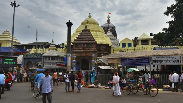 The ongoing demolition drive of mutts and other commercial structures around the 75 metre perimetre of Jagannath temple in Puri has taken a political turn.(HT file photo)