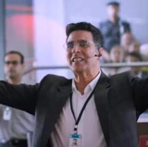 Akshay Kumar pays a scientist in Mission Mangal.