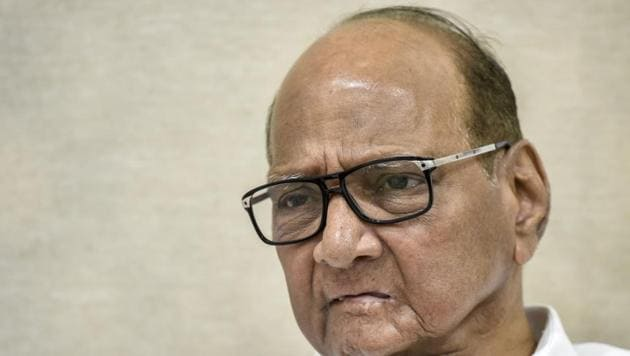 Nationalist Congress Party (NCP) leader Sharad Pawar should use the current party exodus to clean out the ranks of corruption.(HT Photo)