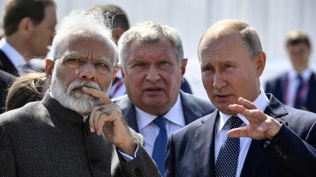 Prime Minister Narendra Modi and Russian President Vladimir Putin visit Zvezda shipyard ahead of the Eastern Economic Forum, Vladivostok, Russia, September 4(REUTERS)