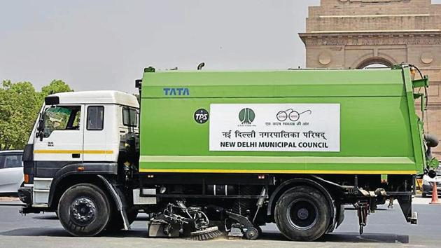 There are 56 mechanised road sweepers with the four civic bodies.(Sonu Mehta/HT file)
