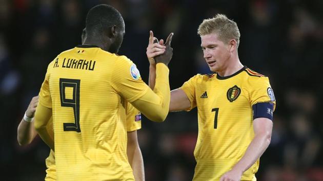 Belgium's Kevin De Bruyne, right, celebrates with Belgium's Romelu Lukaku.(AP)