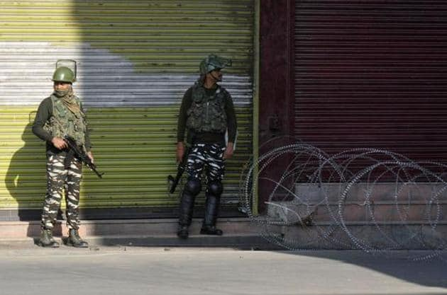 Security personnel at a barricade during restrictions placed on movement on the occasion of Muharram, in Srinagar, Jammu and Kashmir, India on Tuesday, September 10, 2019.(Photo: Waseem Andrabi / Hindustan Times image for representation)