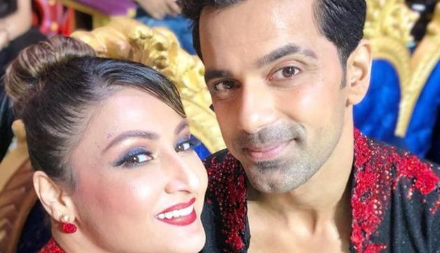 Urvashi Dholakia and ex boyfriend Anuj Sachdeva return to Nach Baliye 9 as wild card entries.