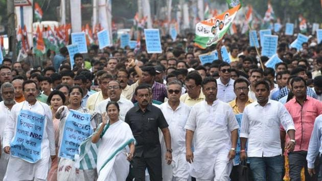 TMC chief and Bengal chief minister Mamata Banerjee staged a protest rally (padayatra) against NRC from Sinthi crossing to Shyambazar in Kolkata on Thursday, September 12(Samir Jana/HT Photo)
