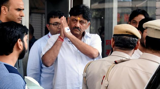 Karnataka Congress leader DK Shivakumar outside ED office while going to Rouse Avenue Court in New Delhi on Friday. (ANI Photo)