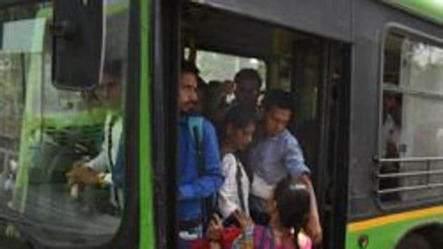 Adding more public buses to its fleet and preparedness of the Delhi Metro will be key to the success of the odd-even vehicle rationing scheme that is likely to be implemented in November to check the rise in pollution levels.(Hindustan Times)