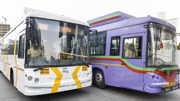 Previously, the BEST had placed an order for 400 AC buses that included 200 midi and 200 mini-sized buses. However, these are yet to arrive in the city.(HT image)