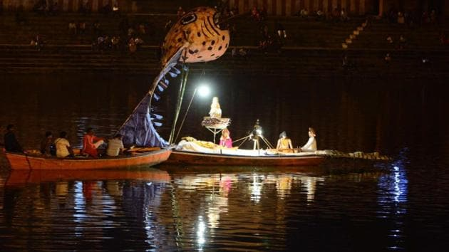 The Ramnagar Ramlila began on Thursday, September 12. The Kshir Sagar tableau was recreated in Ramnagar pokhra or pond.(HT Photo)