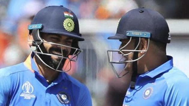 File image of India skipper Virat Kohli and MS Dhoni (R)(AP)