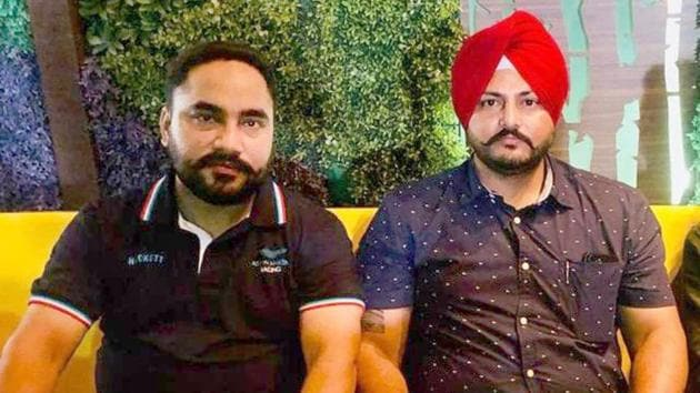 While accused Jaswinder Singh (left) was arrested, his accomplice, Jagdeep Singh of Bulara (right), is at large.(HT Photo)