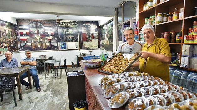 Abdullah, a Syrian chef, runs Ya Mal Alsham Syrian Restaurant in south Delhi's Sarita Vihar.(Burhaan Kinu/HT Photo)